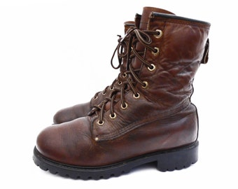 70's vintage RUFFHIDES work boots // insulated lace up boots // leather combat boots // men's size 8