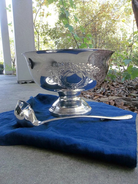 Antique Silver Punch Bowl and Punch Ladle Silver Plate Bowl Centerpiece Silver Barware Vintage Punch Bowl Wedding Decorations Table Decor