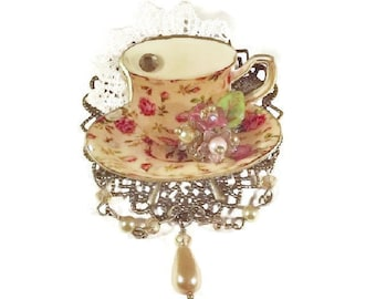 Yellow Chintz Teacup Brooch, Tea Party Jewelry, Teacup Brooch, Yellow Chintz, Filigree Brooch
