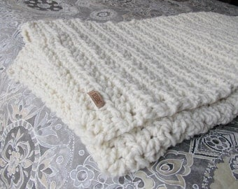 Chunky cozy wool throw blanket {Natural}