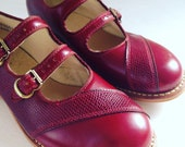 Vintage girls leather shoes oxblood leather size 5 made in usa new old stock