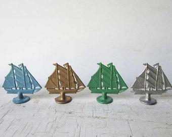 Set of 4 1940 Vintage Metal Game Pieces, Sailing Ships in 4 Colors, Vintage Game Parts, Vintage Supply, Vintage Toy Miniature Ships Nautical