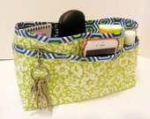 Quilted Purse Organizer Insert With Enclosed Bottom Large - Apple Green Floral