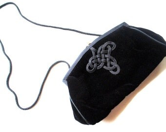 glamour vintage 80s black  velvet clutch purse with a celtic knot embroidery. Made by Vanessa.