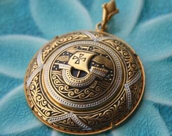 damascene round medallion pendant