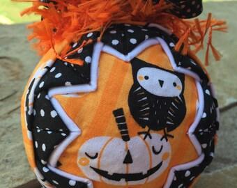 Own & Pumpkin Halloween ornament