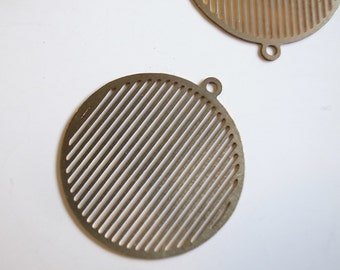20 Vintage raw brass die cut  brass geometric pop art charm circle with straight line 20 dia x 0.5 mm thickness