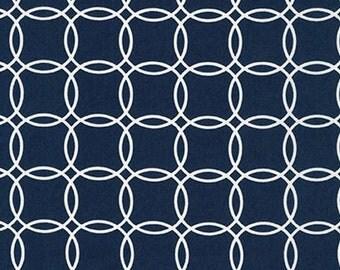 Fat Quarter - Metro Living Interlocking Circles Robert Kaufman Fabrics SRK-15081-9 Navy Blue