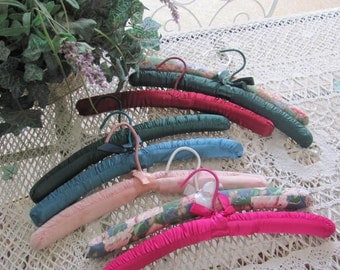 Wow...Lowered Set Bourdoir 8 Padded Vintage Satin Clothes Hangers