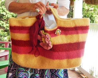 "A Large Felted Handbag in a Striped Design ""Paige"""