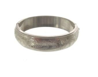 Vintage Wide Bangle Bracelet, Silvertone Hinged Bangle, 1950 Vintage Jewelry, Vintage Hinged Cuff