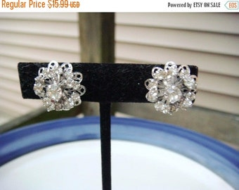 Summer Clear Out SALE Vintage Sarah Coventry Silver Rhinestone Earrings