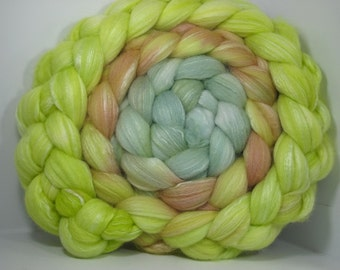 Organic Polwarth/Bombyx 80/20 Roving Combed Top 5oz - Shoots 2