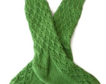 Socks - Hand Knit Women's Pea Pod Green Textured Socks - Size 6-7 - Casual Socks
