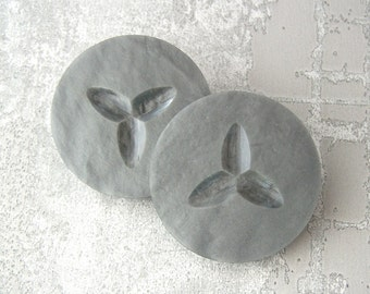 HuGE Gray Plastic Buttons 34mm - 1 1/4 inch Silvery Slate Grey Vintage Buttons - PAiR of 2 VTG NOS Carved Retro Mod Seed Shank Buttons PL018