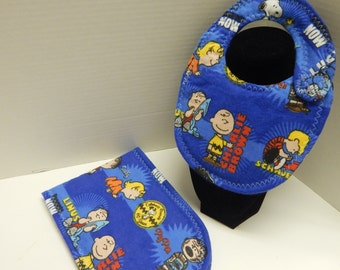 Newborn Baby  Bib and Burp Cloth Set Peanuts Charlie Brown