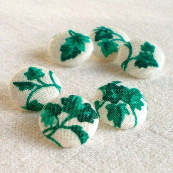 Fabric Buttons - Cold Green Ivy - 6 Small Leaves on White Fabric Covered Buttons, Emerald Green Fabric Buttons for Sewing Knitting