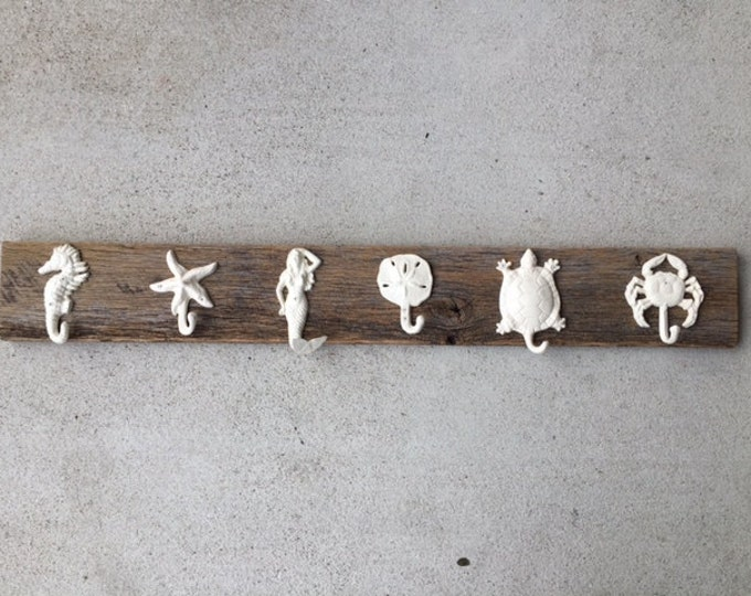 Foyer coat rack hall mudroom jackets bathroom towel rack hot tub wood rustic decor as seen on best-deal.com home renovation BeachHouseDreams