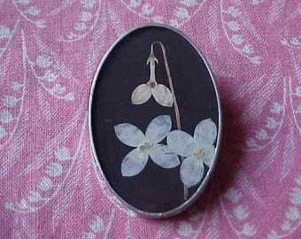 Oval Dried Flowers under Glass Brooch pin Signed