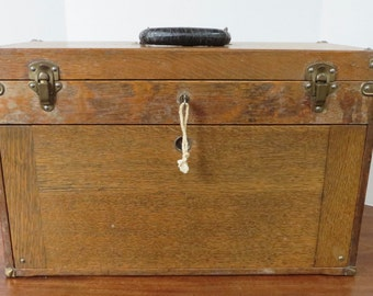 Vintage/Antique Quarter Sawn Oak Machinist Chest