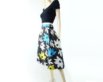 Black Floral Skirt, Vintage 70s Skirt, Tropical Print Skirt, A Line Midi, Large Floral Print, Bright Floral Skirt, 70s Summer Skirt, m