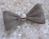 vintage hair barrette ,metal mesh bow, pewter tone, har clip