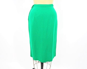 1970s pencil skirt | green fitted pencil skirt | vintage 70s skirt | XS