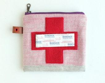 BOB JONES ---x--- 'Boo Boo' pouch - unique little appliquéd waxed canvas pouch for your first aid supplies