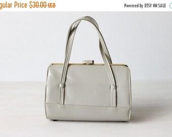 SALE Vintage Grey Patent Leather Purse / 1960s Purse / Patent Gray Handbag / Dove