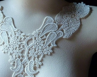 SALE Lace Applique Collar in Ivory Cream for Bridal, Jewelry or Costume Design IA 706