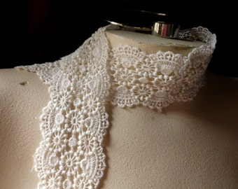 Ivory Lace for Bridal, Jewelry, Millinery, Headbands L 2046