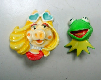 1984 Kermit or Miss Piggy Pins, Metal Hand Painted Sesame Street Character Brooches, Cartoon Puppets