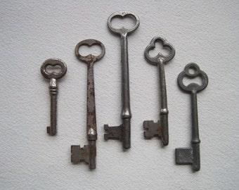 5 Vintage Keys, Skeleton Keys
