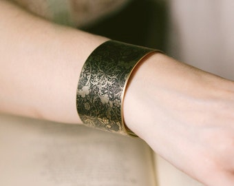 Victorian Steampunk Jewellery - Seaweed Brass Cuff Bracelet - William Morris Fabric - Under The Sea Jewelry - Gothic Gift For Her