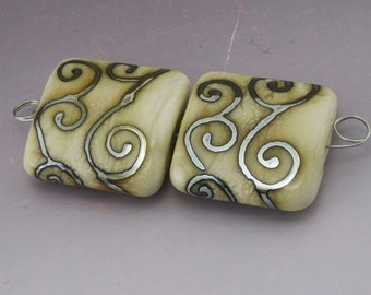 SRA Handmade Lampwork Beads Metallic Silver Scrolls Ivory Cream Square Tile Earring Pair Heather Behrendt BHV LETeam