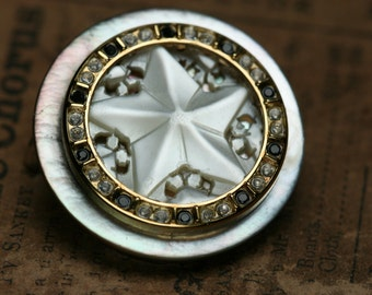 Button Brooch - Shell
