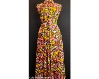 Classic 1970s Vintage Peck & Peck Wildflower Patterned Maxi Dress
