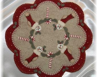 Christmas Stockings Penny Rug/Candle Mat pdf DIGITAL PATTERN