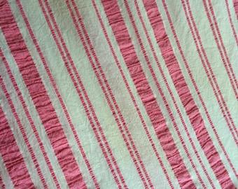 bt pink white seersucker stripe coverlet bedspread tablecloth 100% cotton nu fresh vintage 80x90