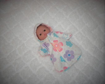 5-LITTLEHEAD-HS-35 ) 5  inch Lil Cutesies Little Head Berenguer baby doll clothes, 1 flannel hooded sleeper with panties