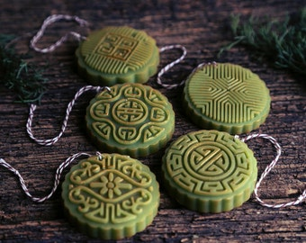 1 Aroma Ornament. Orange Fir Aroma. Beeswax decoration, naturally scented. Essential oil aroma diffuser