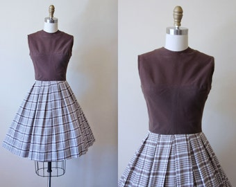 ON SALE 50s Dress - Vintage 1950s Dress - Chocolate Plaid Full Skirt Cotton Sundress S - Lost in Thought Dress