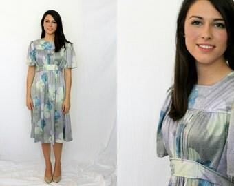 1970s Floral Dress - Empire Waist - Sash - Flutter Sleeves - Vintage - Small
