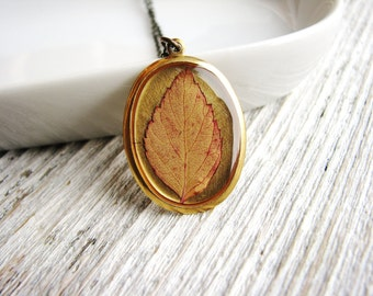Real Leaf Necklace, Pressed Leaf Necklace, Botanical Jewelry, Resin Jewelry, Leaf Pendant, Nature Inspired