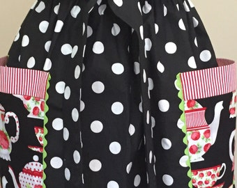 Lots of Dots Full Apron with Oversized Floral Pockets