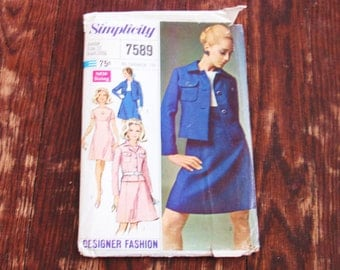 Womens  Vintage 1960s Simplicity  Dress and Jacket Pattern Style 7589 Junior Size 11 Bust 33  Uncut Hollywood Regency Mad Men