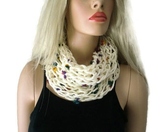 Ivory cream white infinity scarf,Unisex knitted cowl,  best friend gift, Unisex for men and women