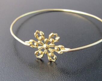 Snowflake Bracelet - Gold, Snowflake Jewelry, Snowflake Charm Bracelet, Christmas Bracelet, Christmas Jewelry, Christmas Accessory