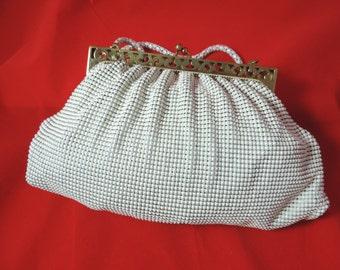 Whiting and Davis mesh purse, 1950's cream alumesh evening clutch / handbag.