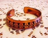 BG747 Vintage Solid Copper Bangle Bracelet Blackened Enamel Design Classy